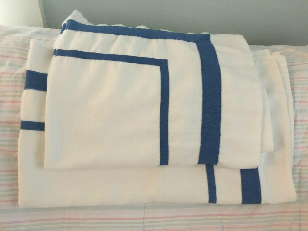 THROWS F.R.I.E.N.D.S Red Central Perk Throw Fleece Soft Blanket Primark