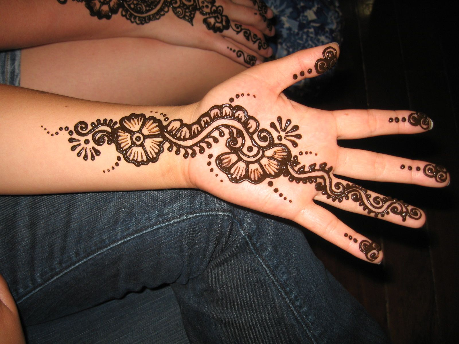 50 intricate henna tattoo designs art and design 50 - Check Out Simple Henna Tattoo On Hand Henna Is Traditionally Applied To The Hands And