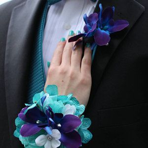 Peacock bridal bouquet, teal, purple, blue bridal bouquet with peacock feather accent #bridalbouquetpurple chestnutm added a photo of their purchase #silkbridalbouquet