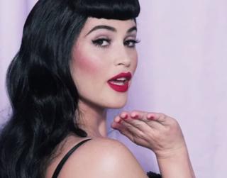 #IheartPinUps http://karasglamourblog.blogspot.com/2013/09/pin-up-inspired-makeup-tutorial.html