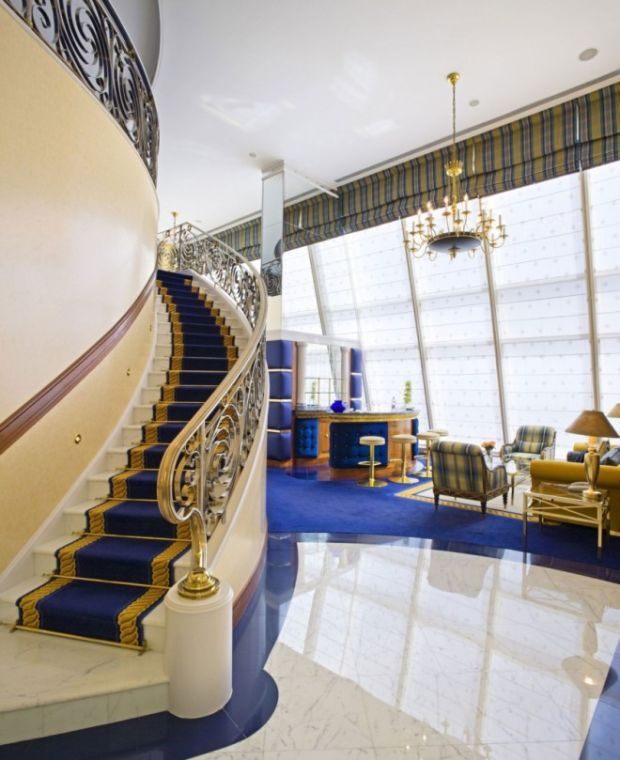 Take a Look around the Only 7-Star Hotel in the World - BlazePress