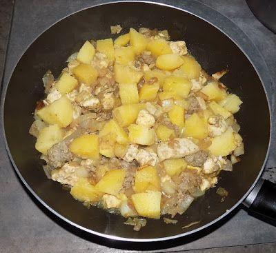 Le mani in pasta: Bocconcini di tacchino con cipolle e patate in agrodolce