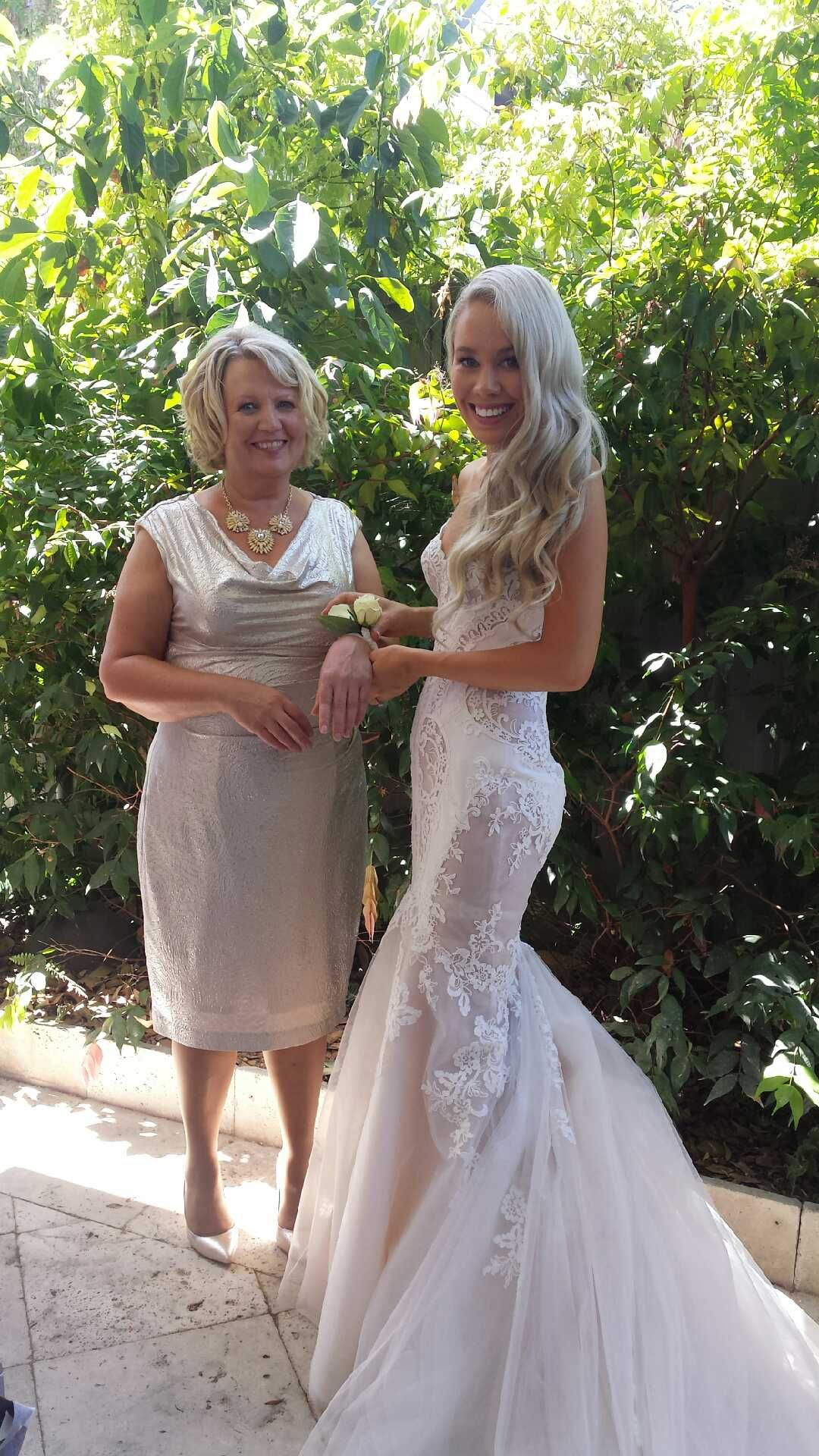 Steven khalil custom made size 6 wedding dress weddings and wedding steven khalil custom made second hand wedding dress on sale ombrellifo Gallery