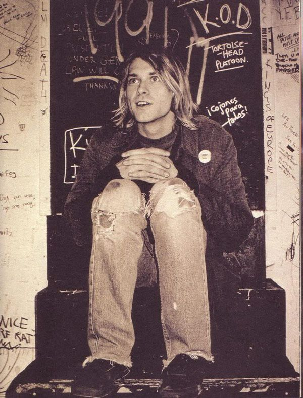 When long hair on boys was hot. Pictures of Kurt Cobain Looking Happy. #Pictures