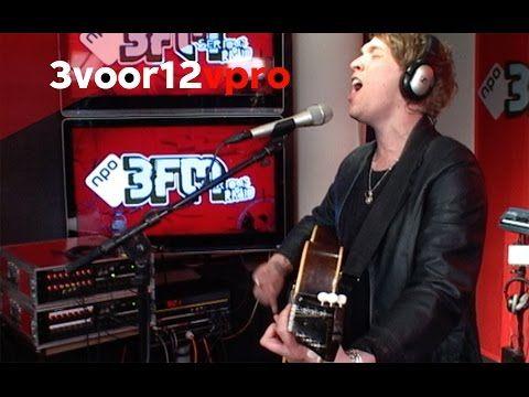 RHODES - Close Your Eyes Live bij 3voor12 Radio - YouTube