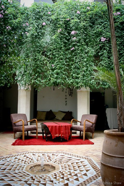 3 Days In Marrakech - Travel Tips! I like the info on where they stayed.. About 100$ a night, but they speak English, have airport taxi, rooftop lounge, private baths, free breakfast, wifi and they will make your taxi and food reservations for you (I'm looking for the most assistance possible for morocco) also she said they would get a tour guide for the souks if they did it again