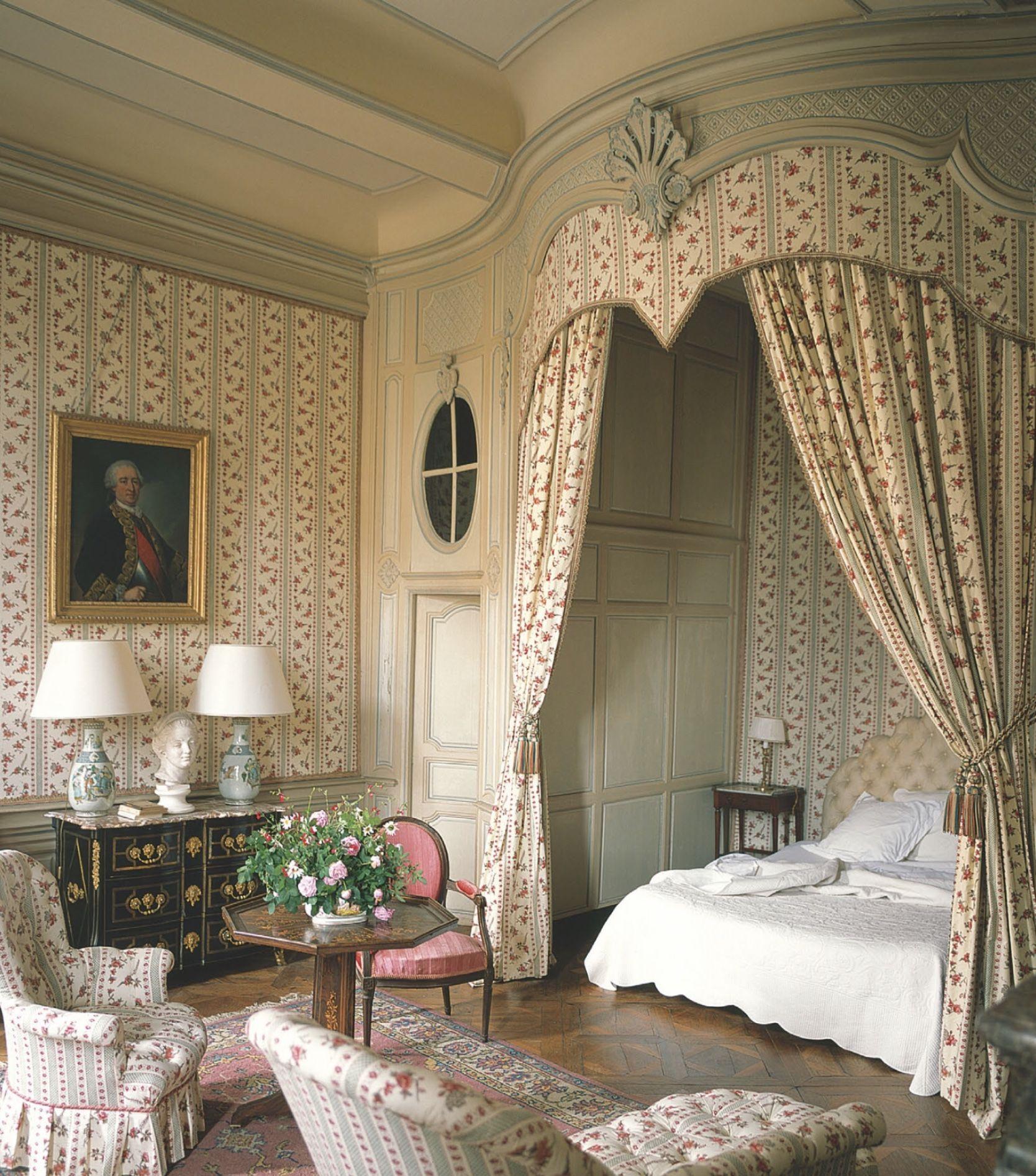 Idea by Nicolas Fairford on Interiors Bedroom interior