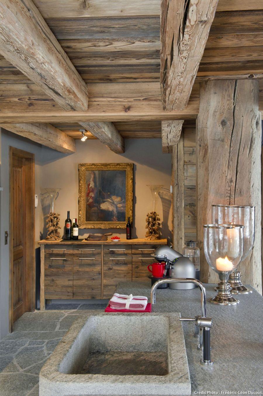 En suisse un chalet authentique et tout confort chalet for Chalet haus bauen