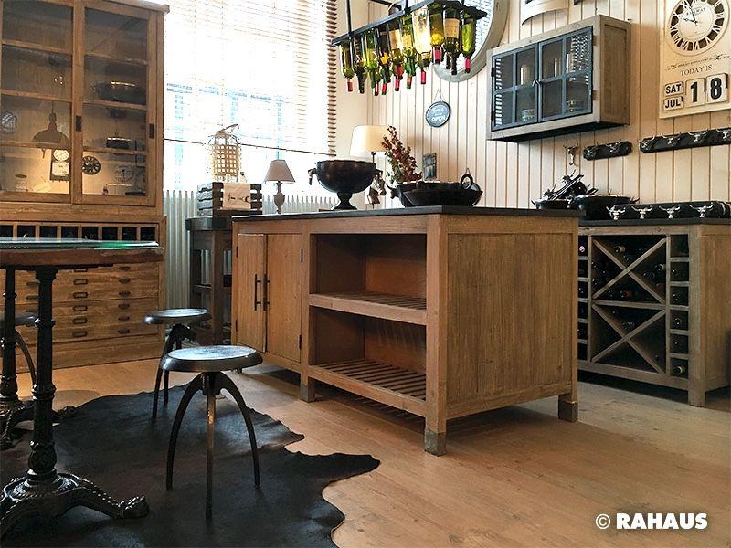 Urlaub in Frankreich #Küche #kitchen #Küchenzeile #Holz #Metall ...