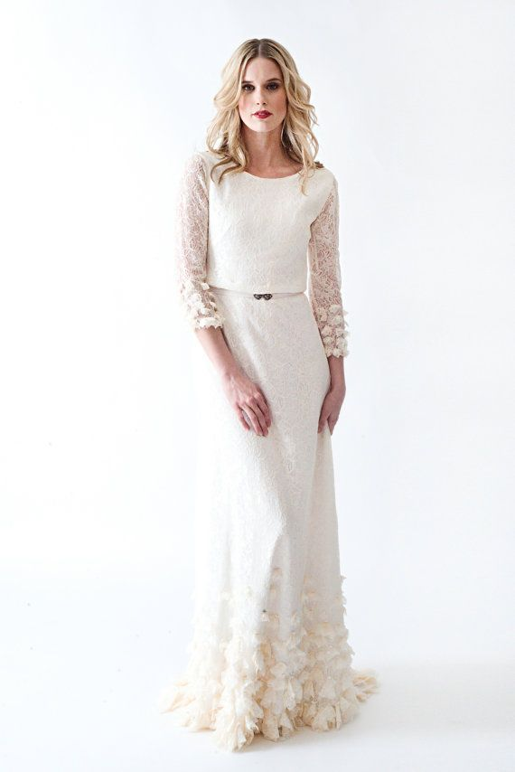 Sample SALE Lace Boho Vintage Wedding Dress With Sleeves Open Back And BEAUTIFUL Skirt Detailing