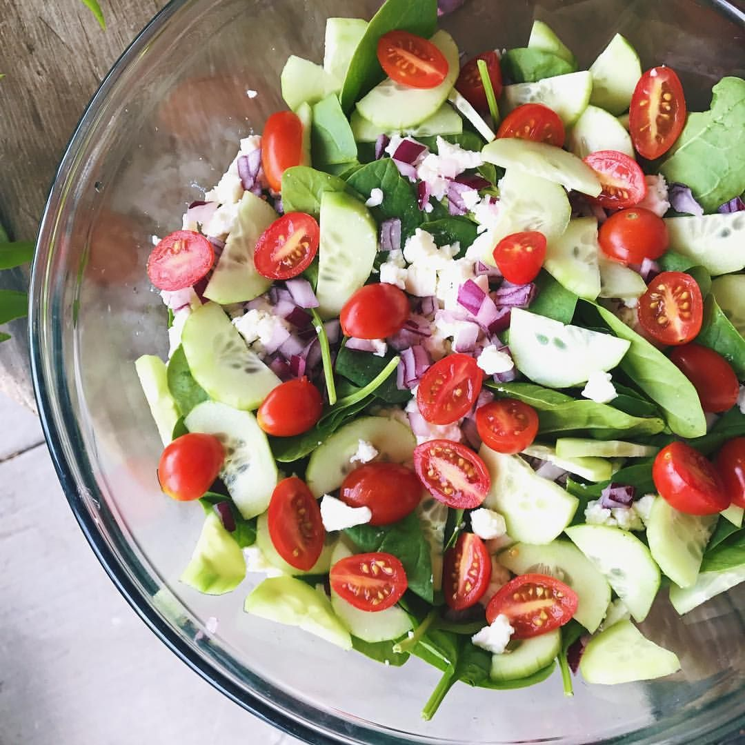 This Heat Has Been Making Me Crave Salad Which Is Definitely A First Threw Together This Easy Peasy Simple Greek Salad And It Greek Salad Salad Cravings