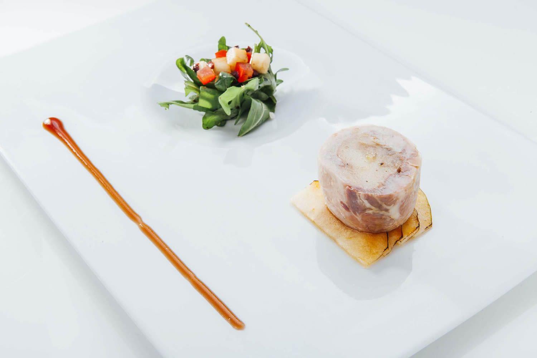 La Credenza Giovanni Grasso : Il ristorante la credenza di igor macchia e giovanni gu2026 uno non