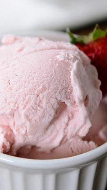 Fresh Strawberry Gelato