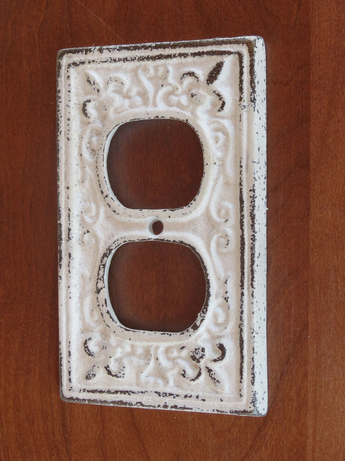 Antique White Decorative Electrical Outlet Plate / Plugin