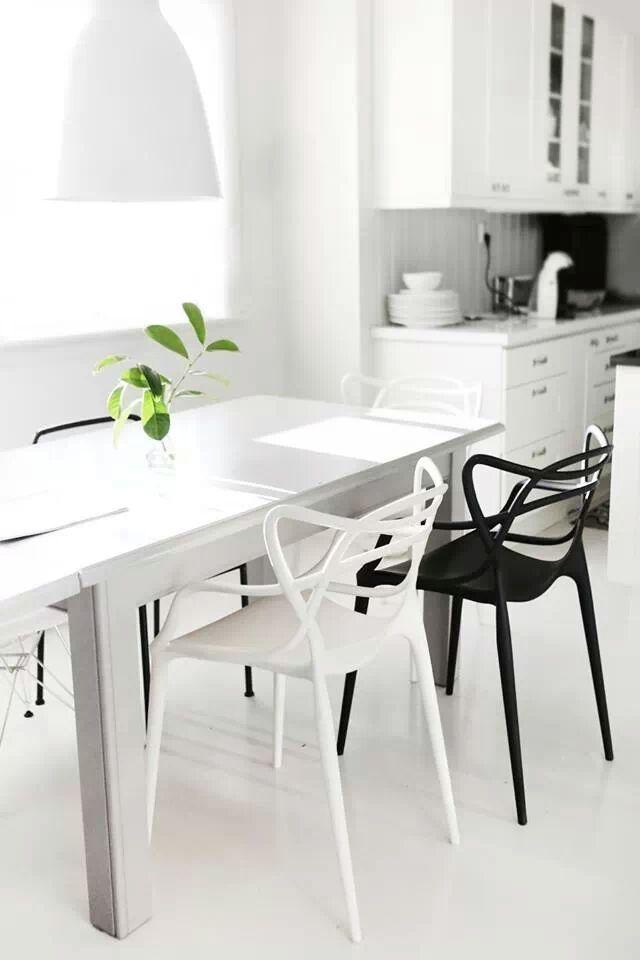 Design Stoelen Philippe Starck.Kartell Masters Chair Philippe Starck In 2019 Wit In Het Interieur