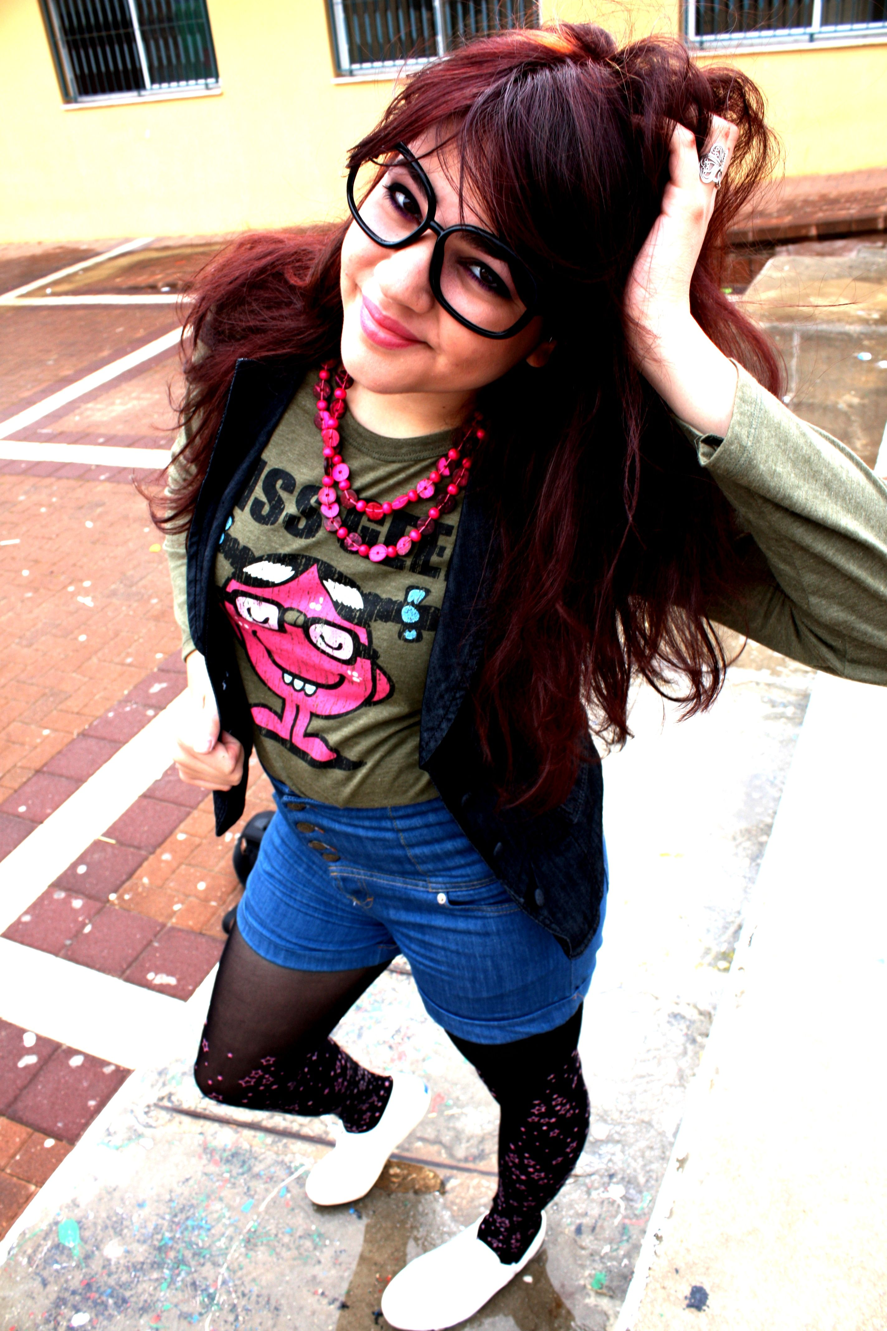 Geek chic   Geek chic fashion, Geek chic, Hipster girl outfits