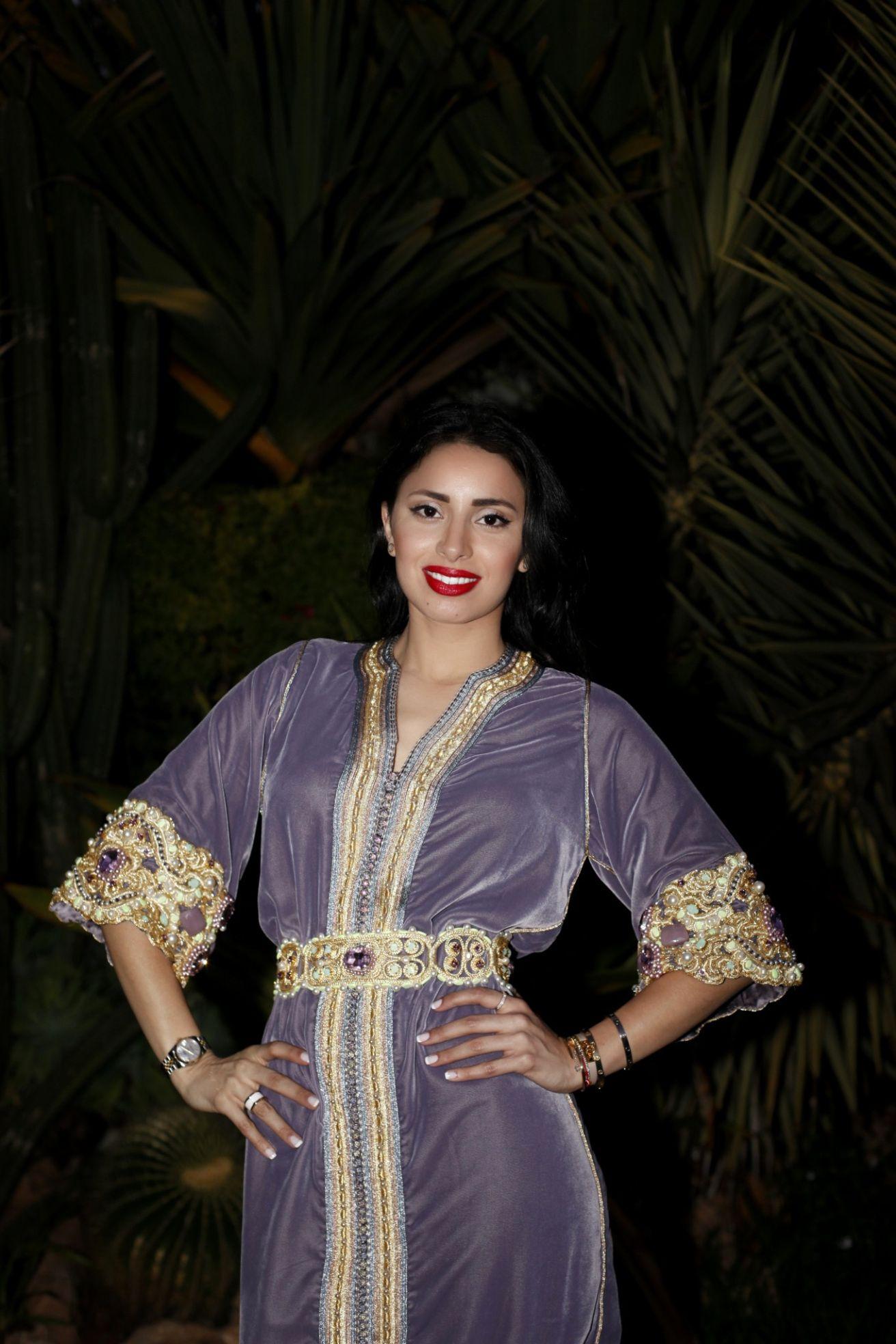 Bonsoir, voici un très jolie design de la styliste Yasmina Beyahya ...