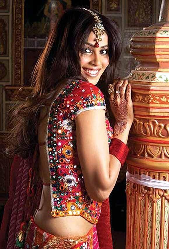 Genelia D'Souza in Life Partner   Bollywood Brides ... Genelia D Souza In Life Partner