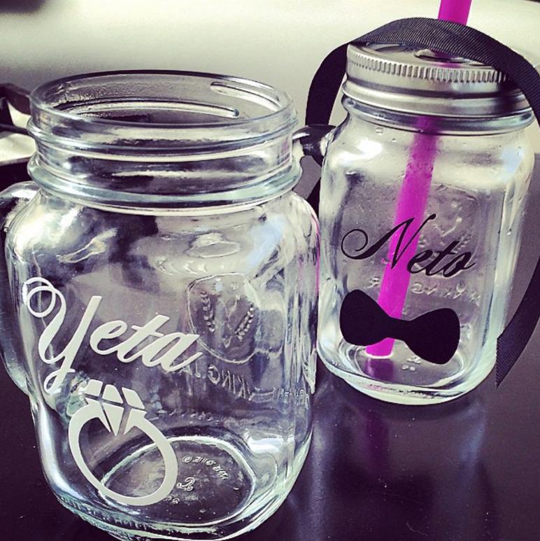 ¿Ya tienes los mason jars para tu evento?... aquí una linda idea que hicimos para la boda de Yeta & Neto!
