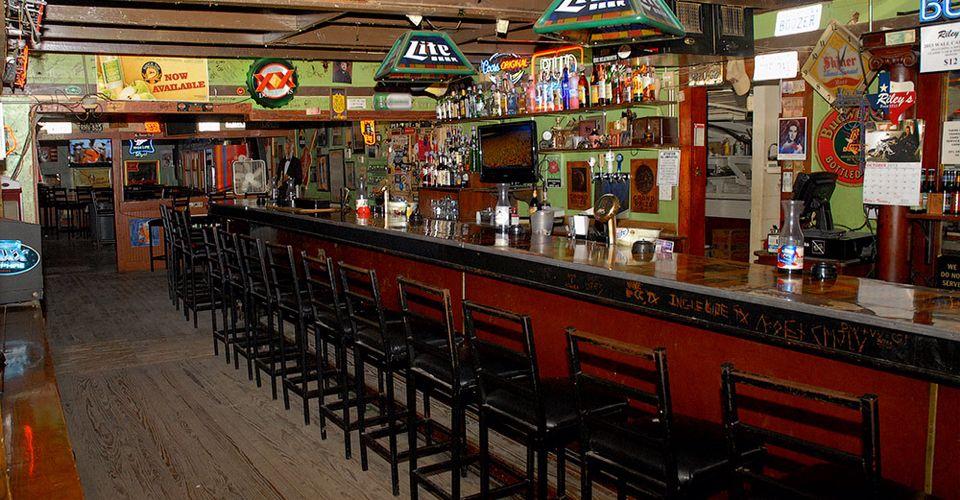 Riley's Tavern Oldest bar in Texas!