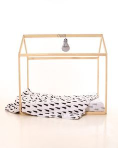 90 x 200 cm Kids nursery bed montessori wooden house. by meiddeco