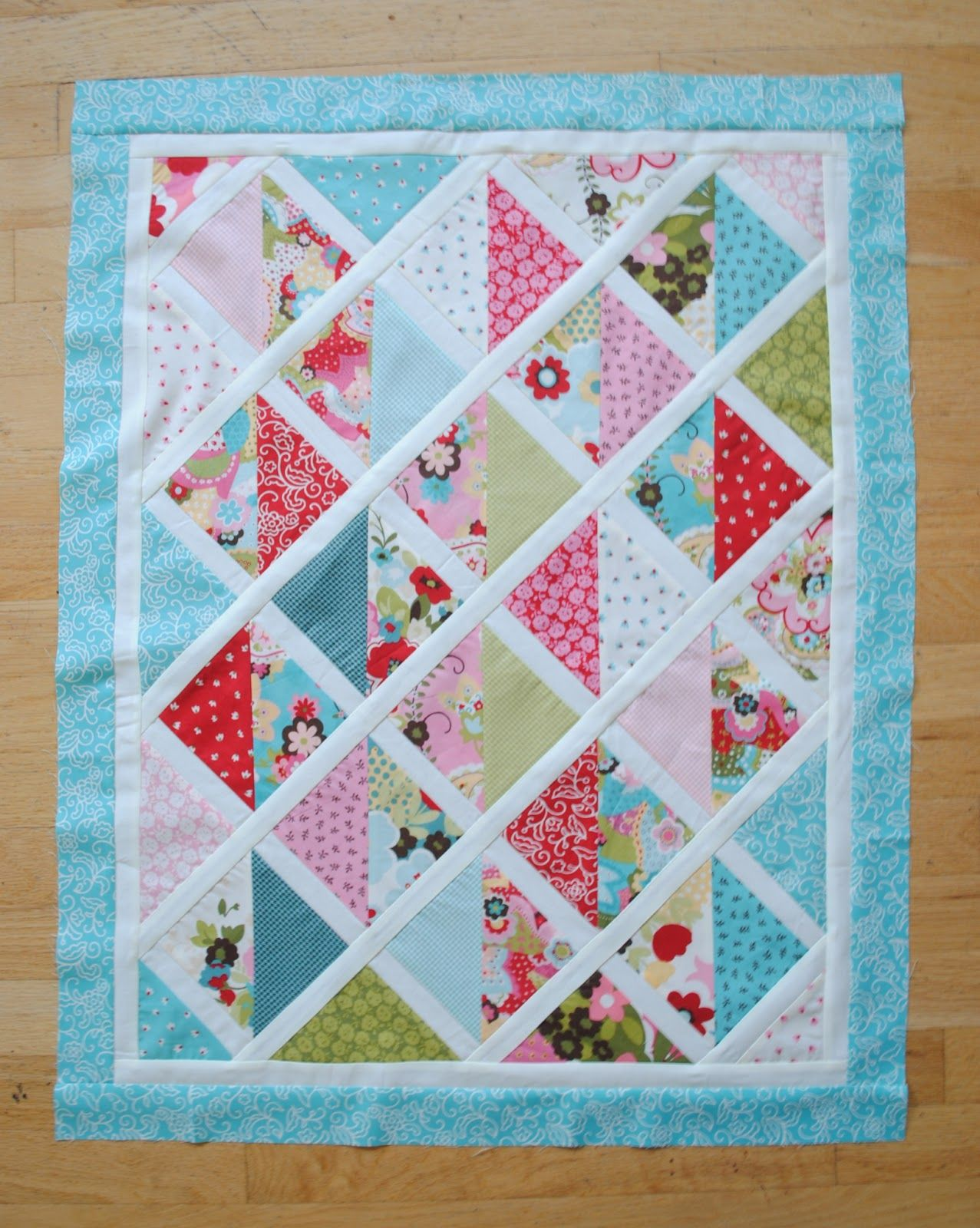 Hello! I'm Jennie and I blog {along with my mom} over at Clover ... : sashing on quilts - Adamdwight.com