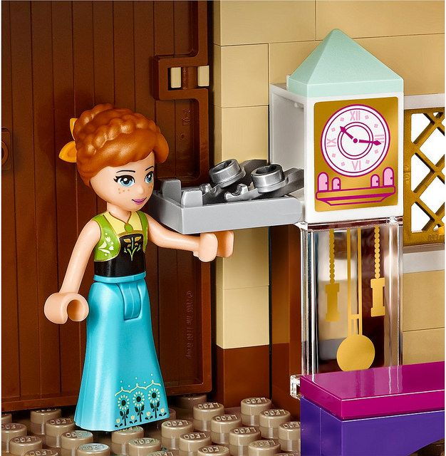 LEGO Disney Frozen 41068 - Arendelle Castle Celebration #LEGO #LEGODisney #LEGODisneyPrincess #LEGOFrozen #Frozen #DisneyPrincess #Disney #AnnaFrozen #ElsaFrozen #Olaf #OlafFrozen