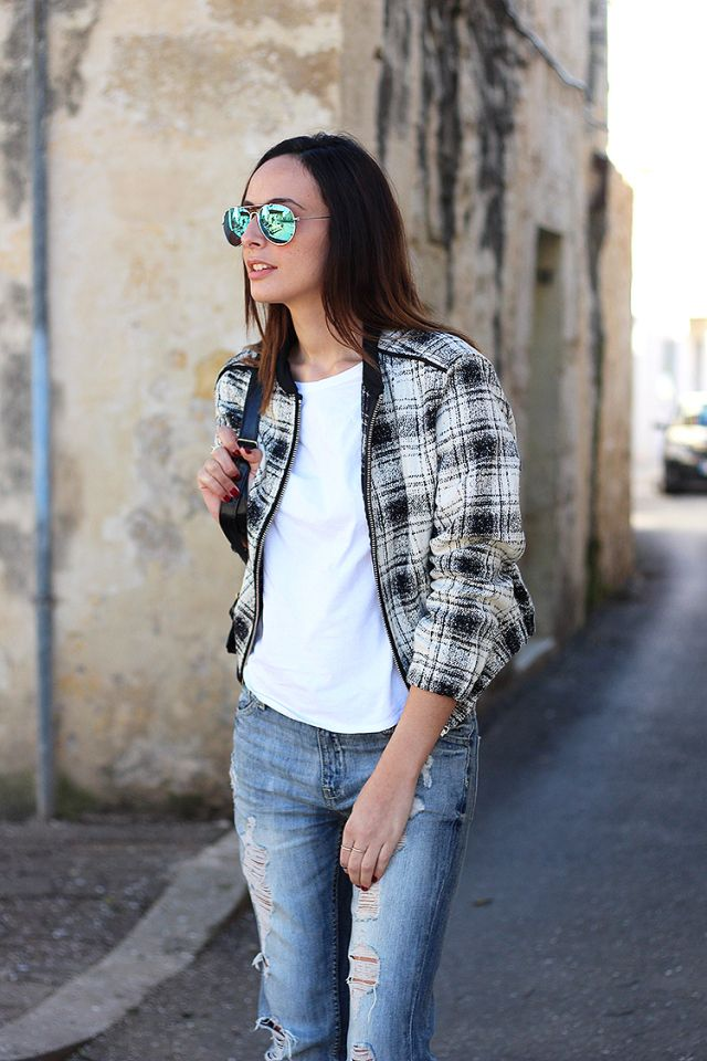 casual, bomber jacket, checked, black & white, boyfriend jeans, Mango, cut-out boots, tartan, aviator reflecting sunglasses, The Fashion Carousel Bianca Darmanin