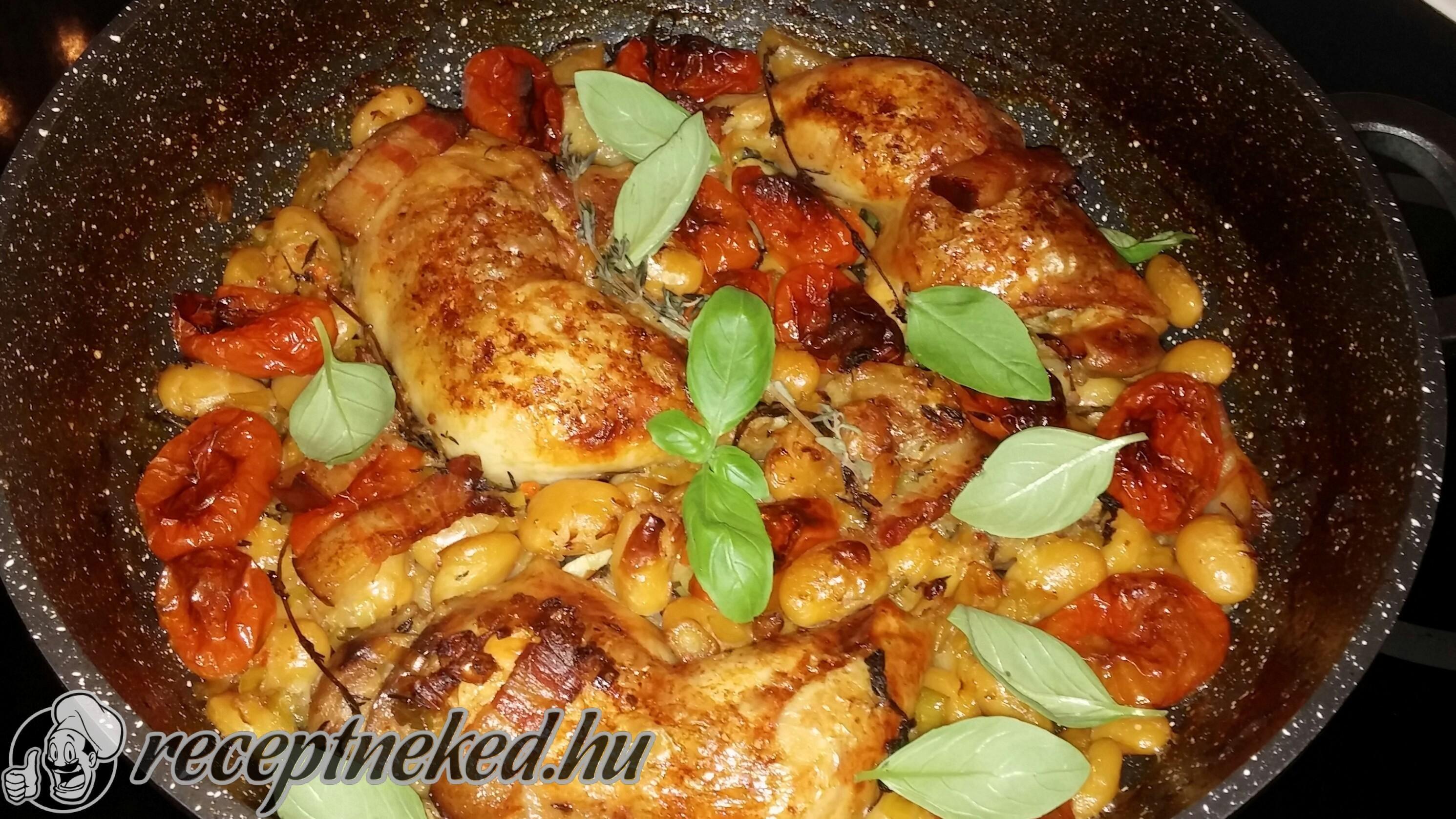 A legjobb Tepsis csirke recept fotóval egyenesen a Receptneked.hu gyűjteményéből. Küldte: GastroHobbi GmLm