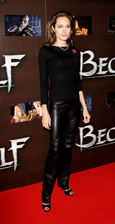 Angelina jolie naked beowulf jennifer aniston