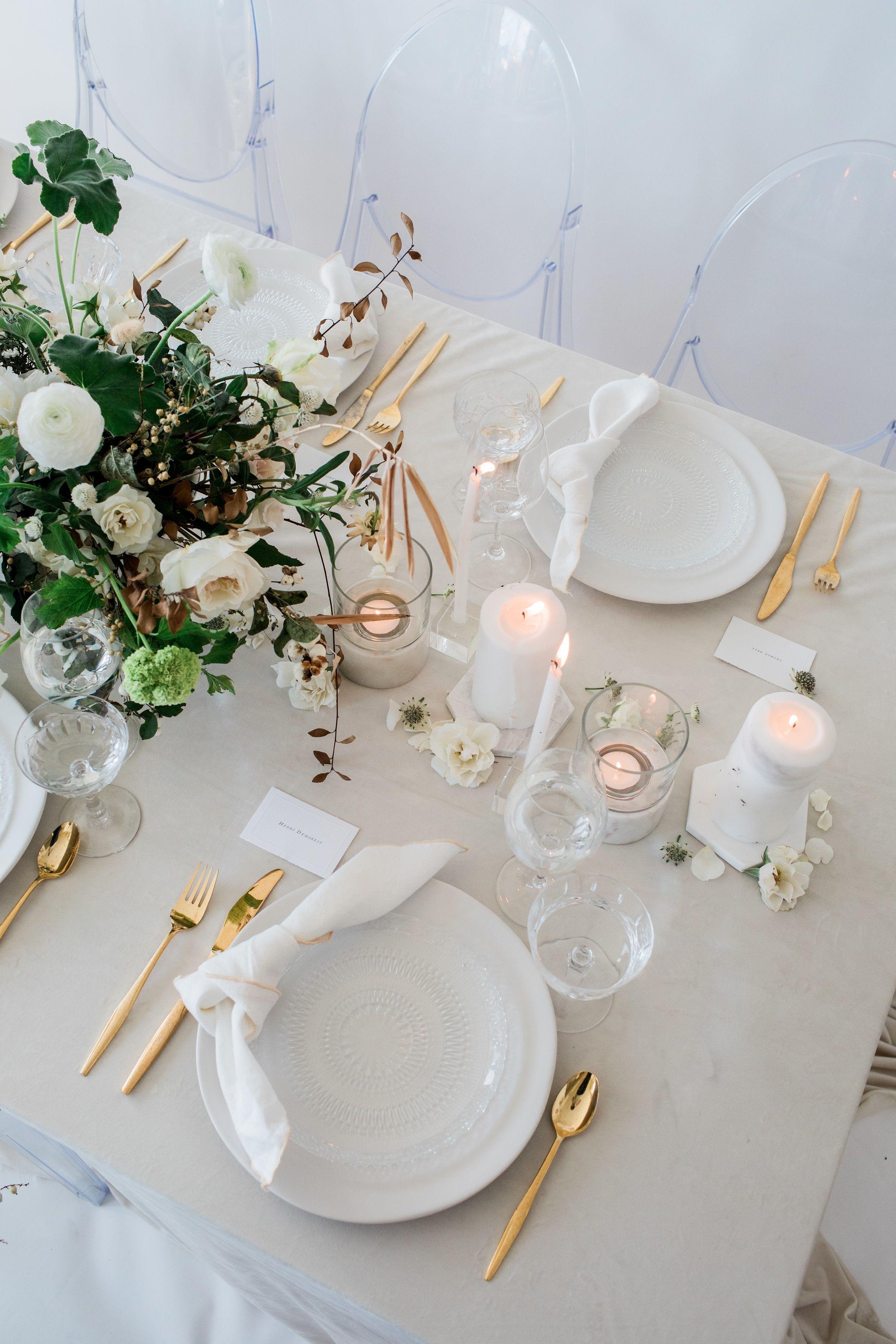 La Tavola Fine Linen Rental: Velvet Oatmeal | Photography: Natalie Bray Studios, Floral Design: Native Poppy, Tabletop: Hostess Haven, Paper Goods: Shasta Bell Calligraphy