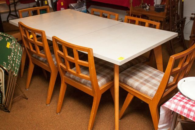 Lot 53 Vintage Dining Table And Chairs Dining Table Chairs Dining Table Vintage Dining Table
