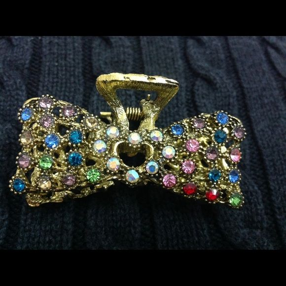 Jeweled hair clip Shiny jeweled hair clip. Accessories Hair Accessories