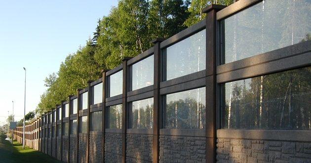 Acrylite Transparent Noise Barrier Sheets Framed In Durisol Precast Concrete Sound Barrier Wall Noise Barrier Sound Barrier