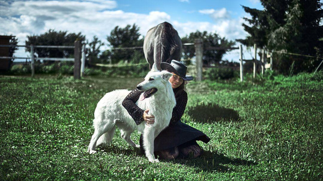 Photo: @igorhotinsky Retouch: @igorhotinsky Models: @whitedogslatvia @jesavinka  #portrait #portraits #portraitphotogra...