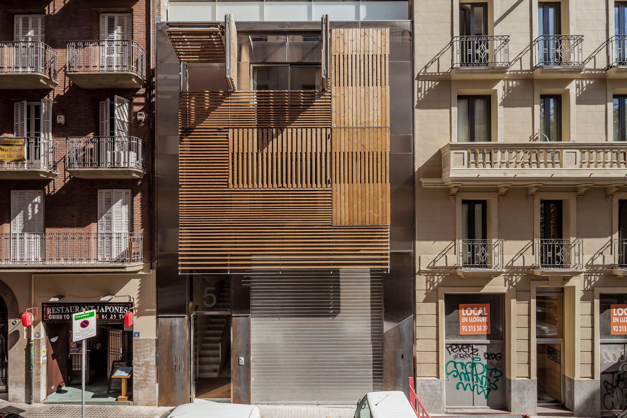 Barcelona Wohnen wohn und geschäfthaus in barcelona sonnenschutz wohnen