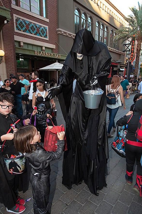Celebrate Halloween, Day of the Dead at The LINQ Promenade