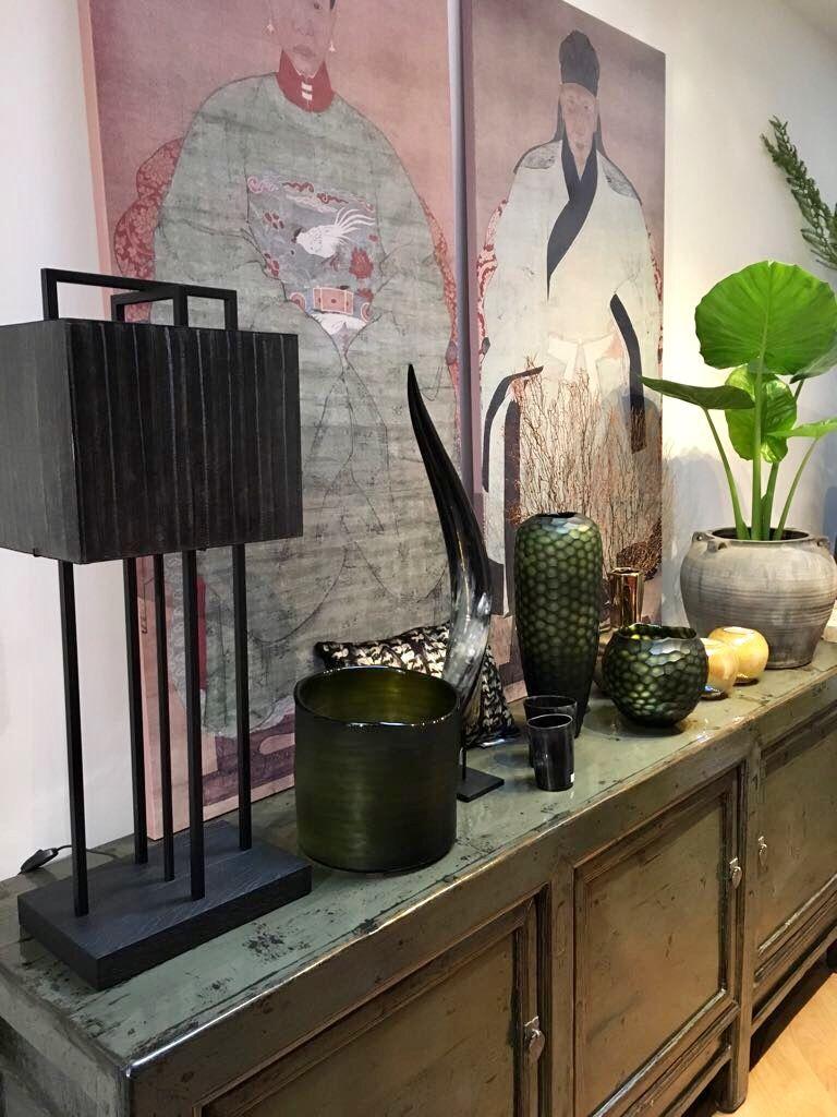 Chinees Tv Meubel Den Haag.Groen Chinees Dressoir Met Daarop Tafellamp Van Layer By Adje