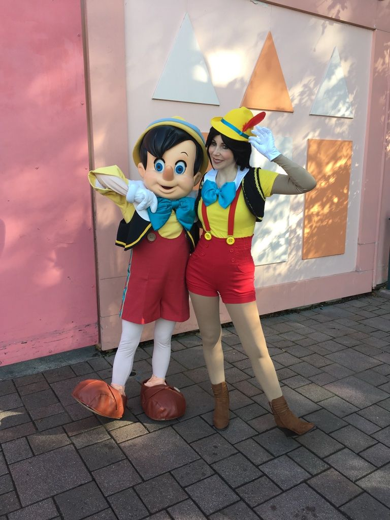 Mon Pinocchio Cosplay A Disneyland Paris Disneyhalloweenparty Disney Cosplay Pinocchio Pinocchiocosplay Disneyl Disneyland Halloween Disneyland Pinocchio