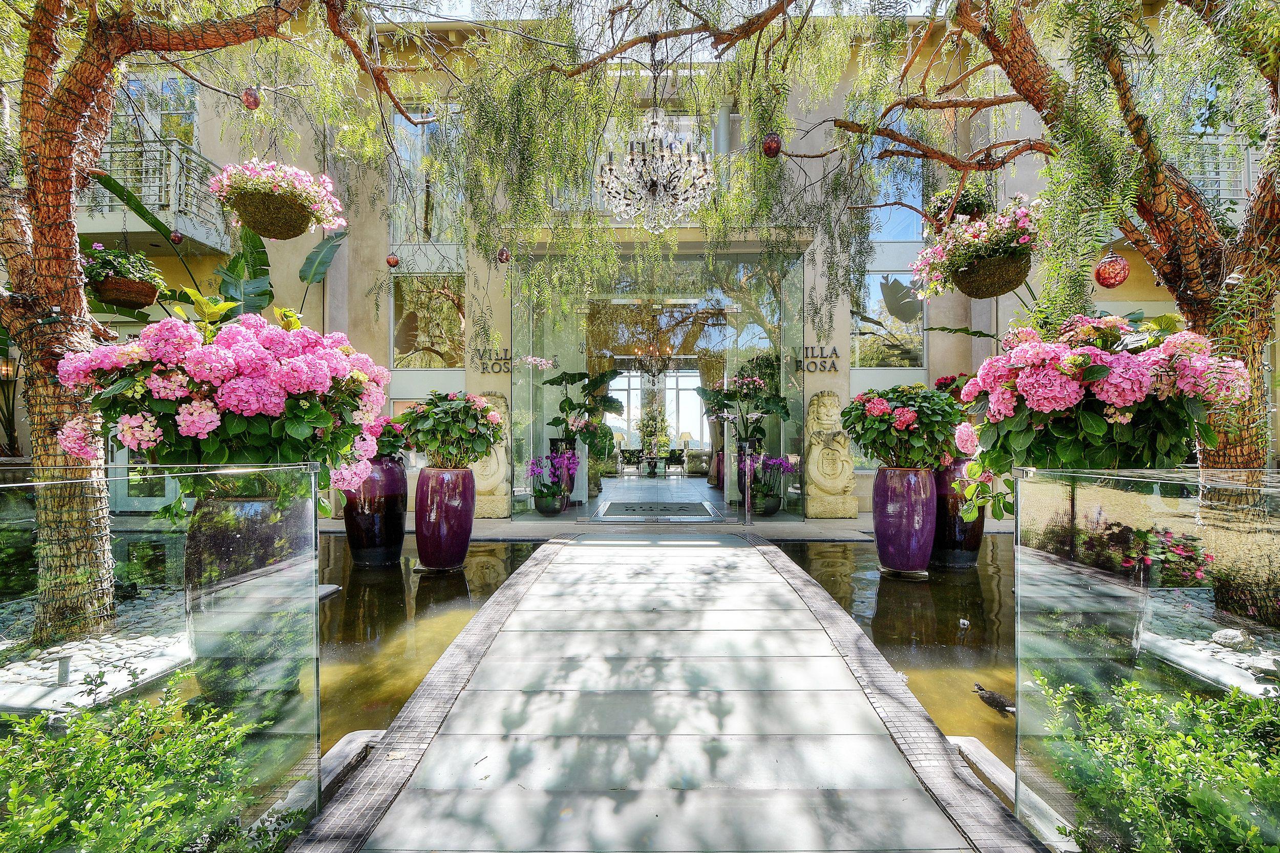 VILLA ROSA A TOUR INSIDE — Very Vanderpump Villa rosa