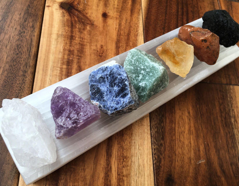 Raw crystal 7 chakra set with selenite plate chakra set