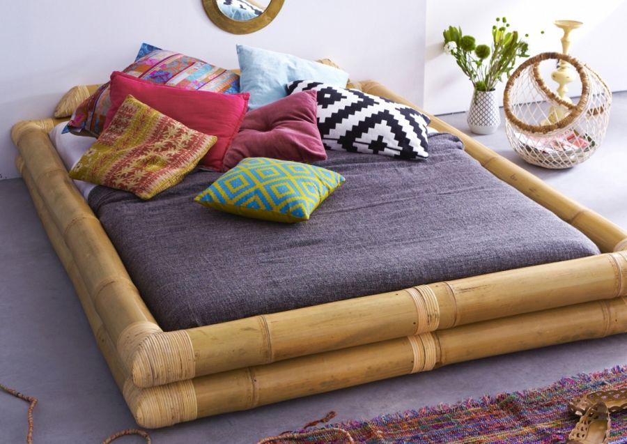 free lit futon avec un cadre bambou un dans la dco japonaise ambiance repre with cadre de lit. Black Bedroom Furniture Sets. Home Design Ideas
