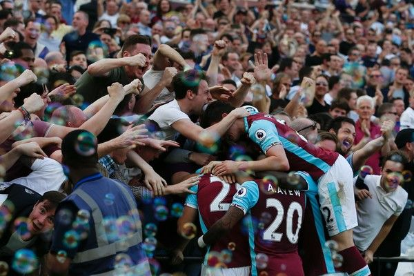 People Photos West Ham Fans English Premier League West Ham