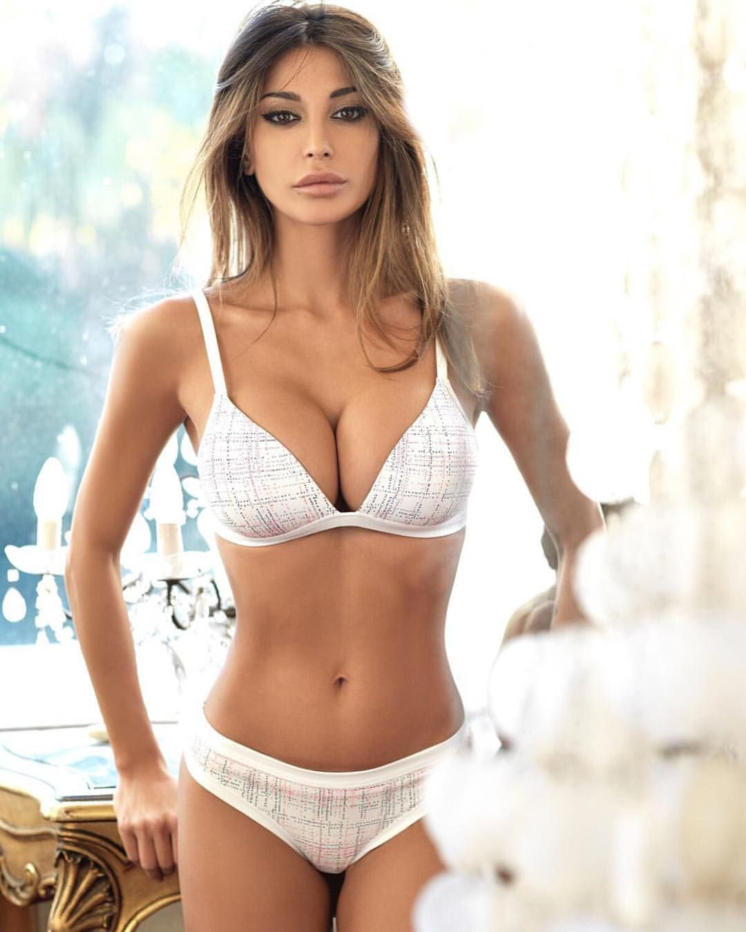 Cleavage Cristina Buccino nude (13 photo), Sexy, Cleavage, Boobs, butt 2017