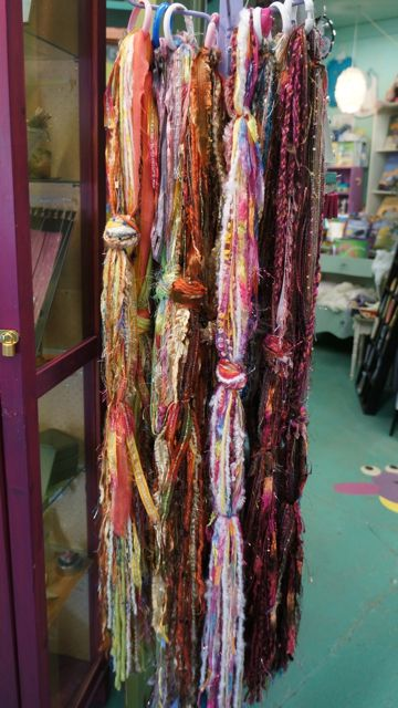 how to display scarves at craft show
