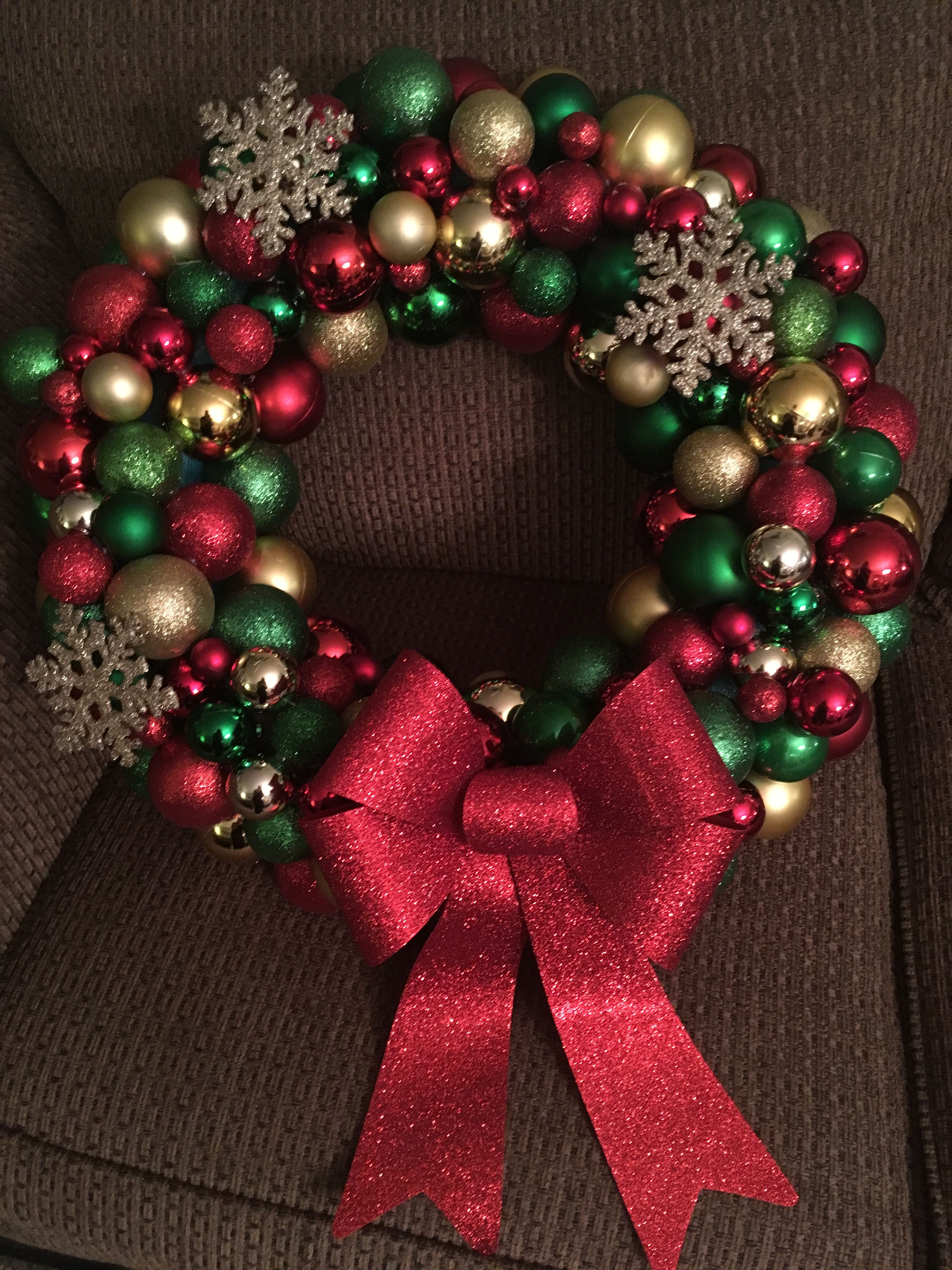 DIY Christmas ball wreath using a pool noodle and