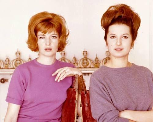 Una rarissima immagine di Monica Vitti insieme a Mina, nei ...
