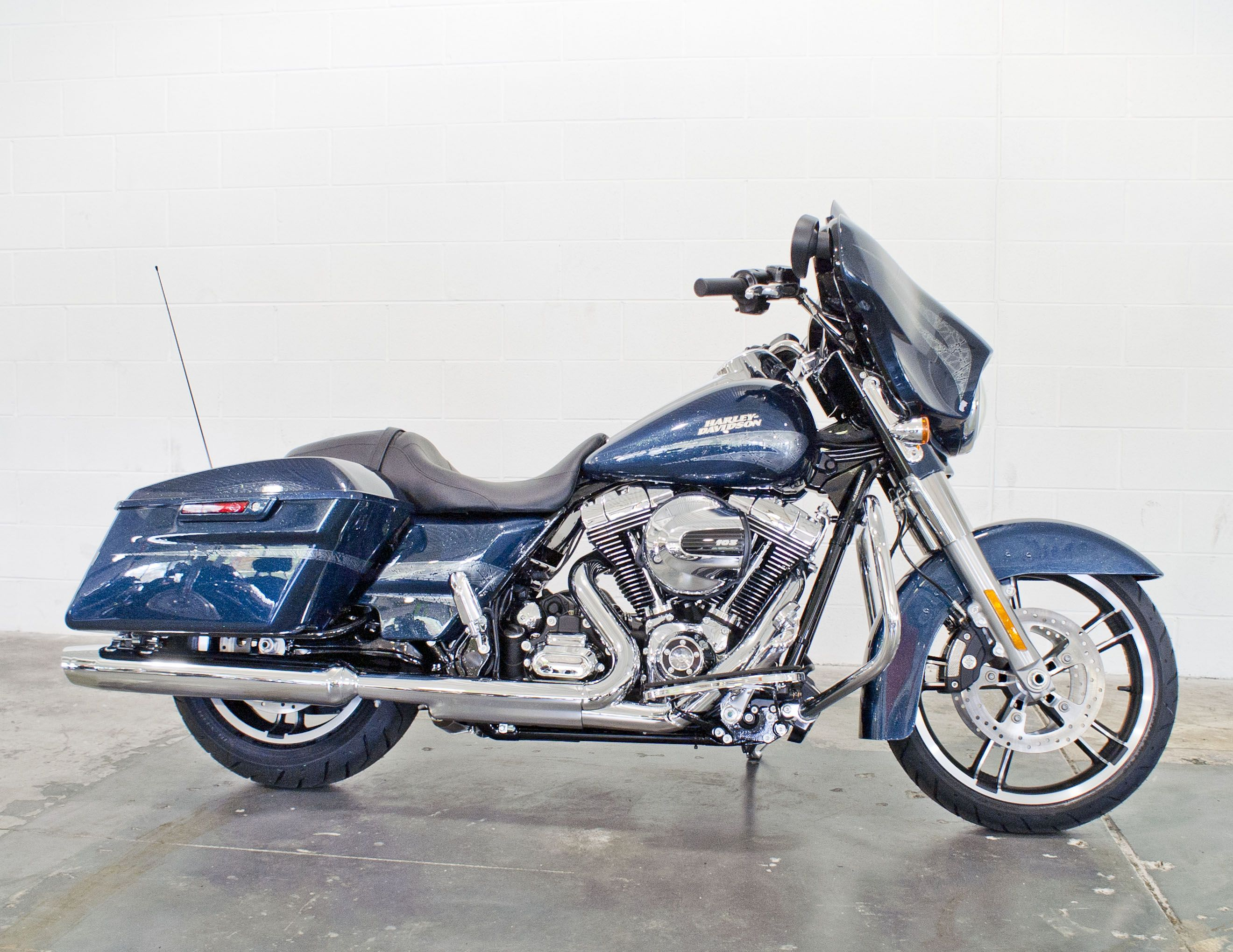 2016 H D Street Glide Special Custom Color Cosmic Blue Pearl