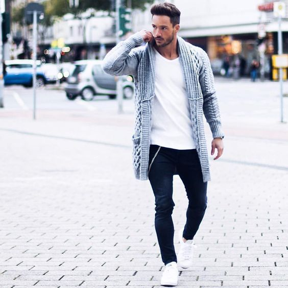what to wear with dark blue jeans guys