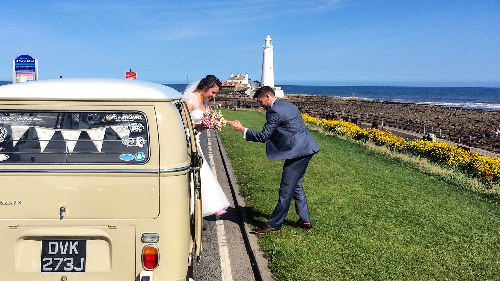 Congratulations to David and Amy arriving at St Marys Lighthouse (St Marys Island) VW Deluxe Weddings, Chauffeur driven VW Campervan wedding hire throughout the NorthEast, Northumberland, Tyne&Wear, and Durham.